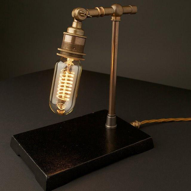 Lampe de bureau steampunk geek idee deco - Lampe de bureau geek ...