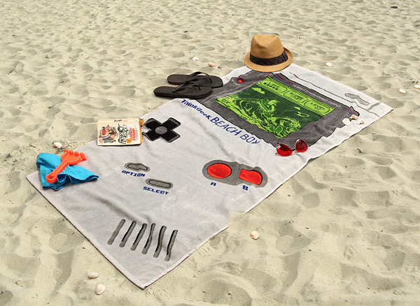 serviette de plage game boy geek. Black Bedroom Furniture Sets. Home Design Ideas