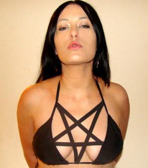 bikini-pentagramme-3