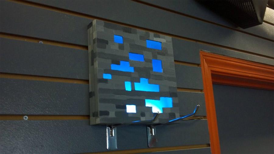 tuto pour cr er une lampe minerai de diamant minecraft gaming geek lampe geek tuto geek. Black Bedroom Furniture Sets. Home Design Ideas
