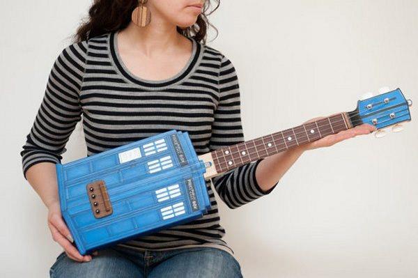 ukulele-tardis-3