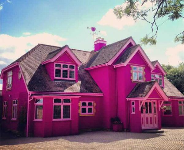 La maison de barbie en vrai geek - Barbie et sa maison de reve en francais ...