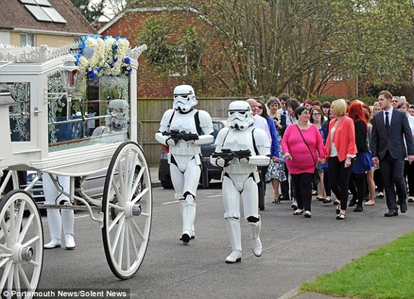 Enterrement Star Wars pour un enfant
