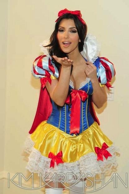Cosplay Kim Kardashian Blanche Neige