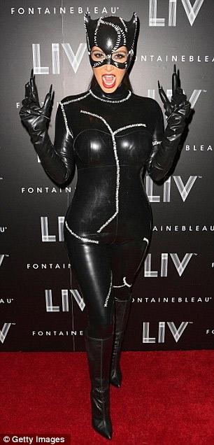 Cosplay Kim Kardashian en Catwoman