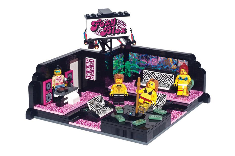 lego club de strip tease geek. Black Bedroom Furniture Sets. Home Design Ideas