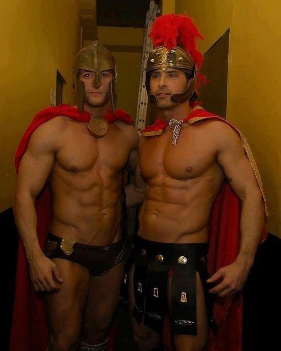 Des cosplays d'hommes sexy