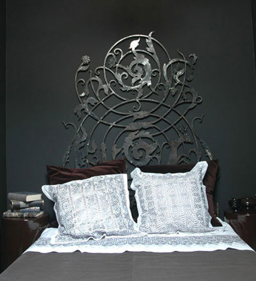 t te de lit en fer forg idee deco. Black Bedroom Furniture Sets. Home Design Ideas