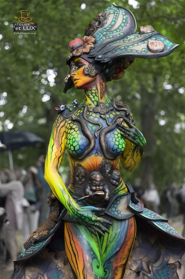 Du cosplay body painting