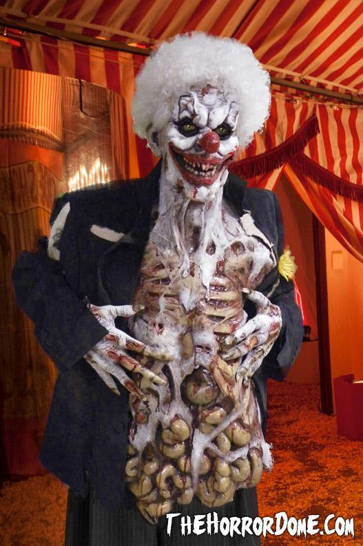 o acheter les costumes d 39 halloween les plus effrayants. Black Bedroom Furniture Sets. Home Design Ideas