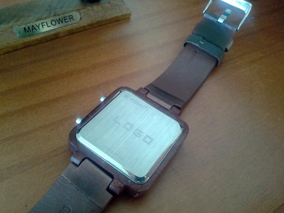 montre kisai logo wood lcd watch geek. Black Bedroom Furniture Sets. Home Design Ideas