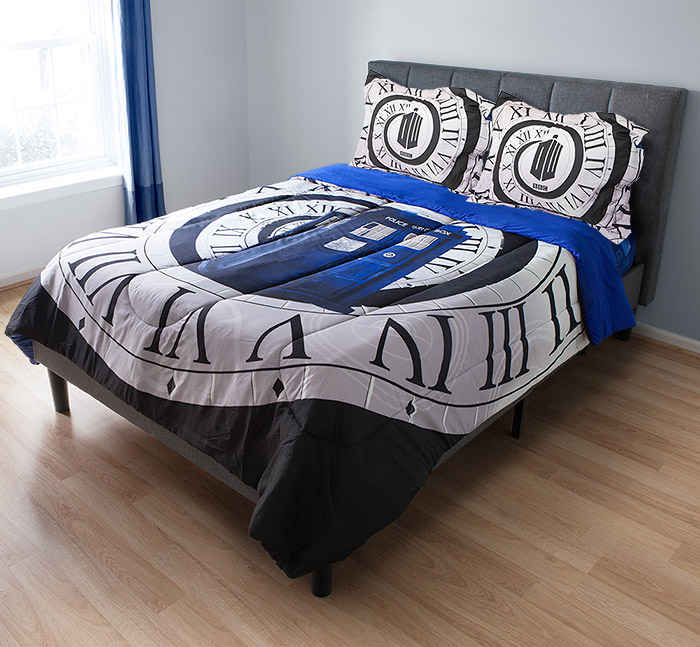 parure de lit doctor who cadeau doctor who geek. Black Bedroom Furniture Sets. Home Design Ideas