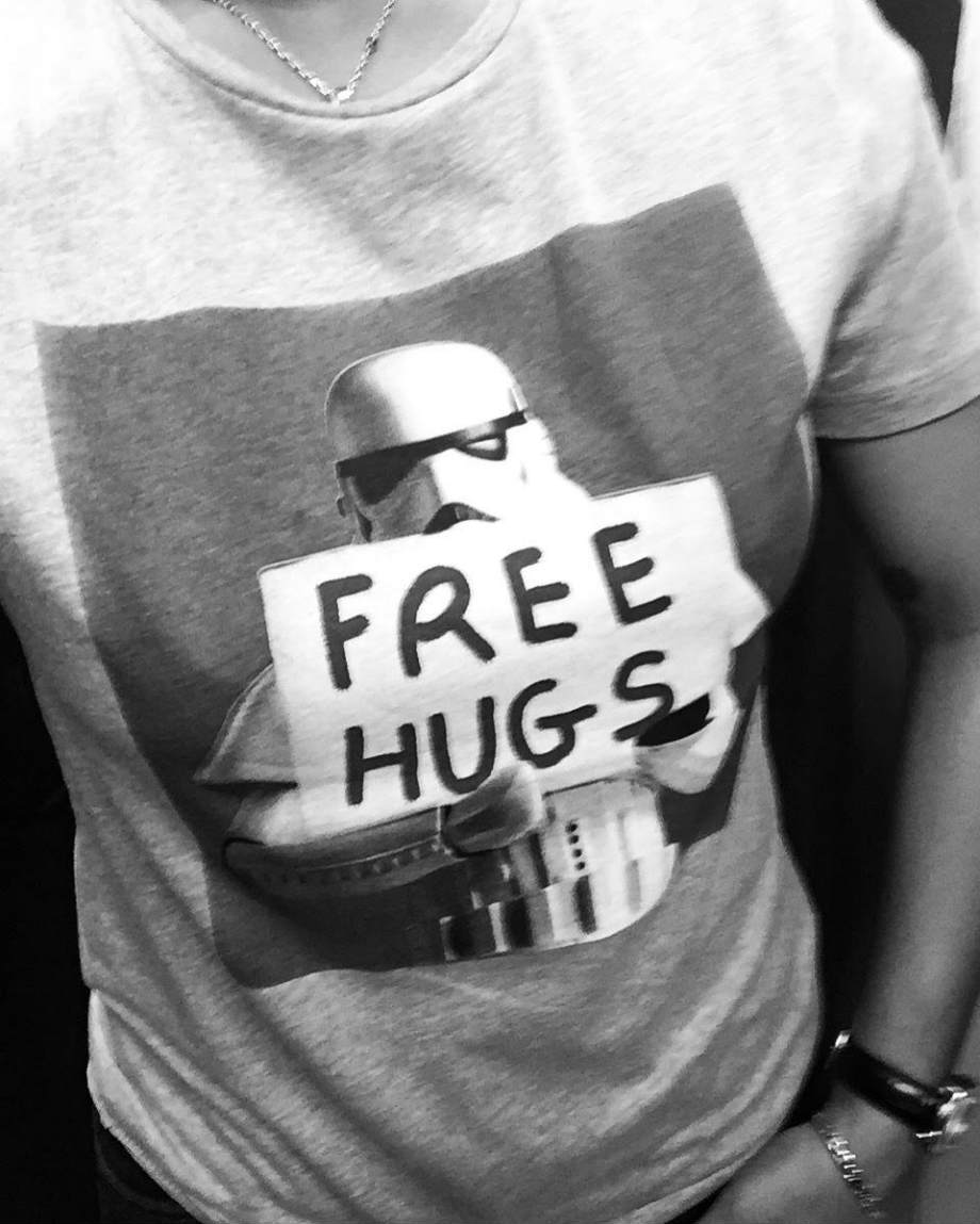 tshirt star wars free hugs