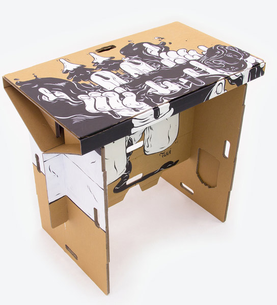 bureau en carton transportable le blog geek pour les geeks par un geek rien que le meilleur. Black Bedroom Furniture Sets. Home Design Ideas