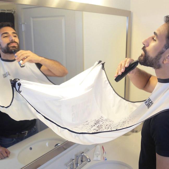 Comment ne pas avoir de poils de barbe dans l'évier lorsque l'on se rase ?