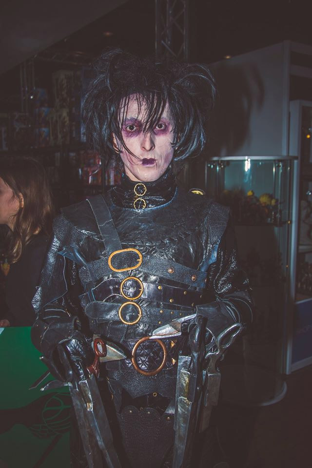 Edward aux mains d'argent Cosplay Comic Con 2016